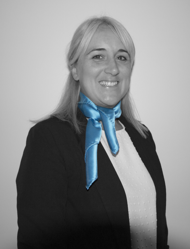 stacey-bw-colour-tie